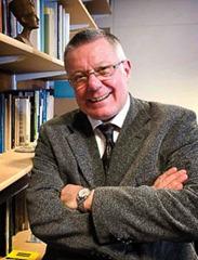 professor greg Lloyd