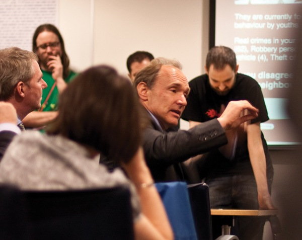 Internet founder and Whitehall advisor Tim Berners-Lee discusses data apps with developers in London, 12 March.